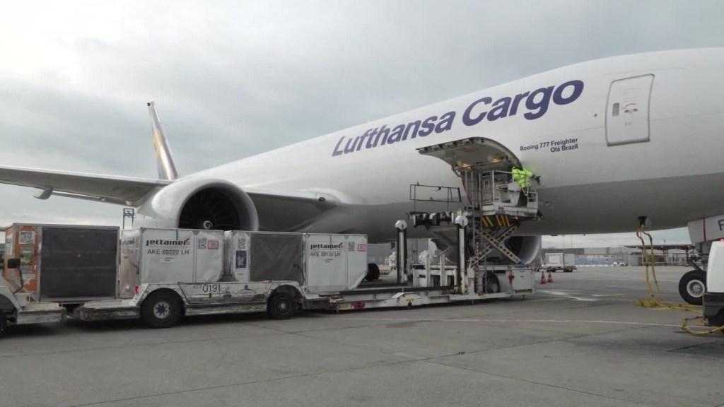Lufthansa y el desafío de distribuir vacunas contra el frío covid-19