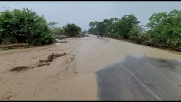 Inundaciones por Iota afectan caminos en Honduras