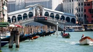 Venecia impondrá tarifas a turistas