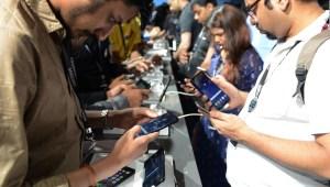 La India bloquea docenas de aplicaciones chinas