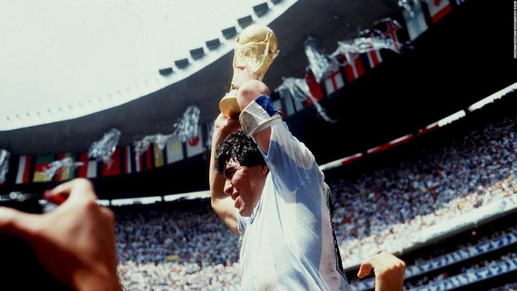¿Cómo era como compañero Diego Armando Maradona?
