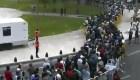 Largas filas para entrar al velatorio de Maradona