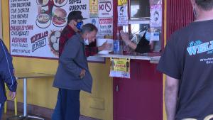 Comercios en Los Ángeles podrían cerrar de nuevo por covid