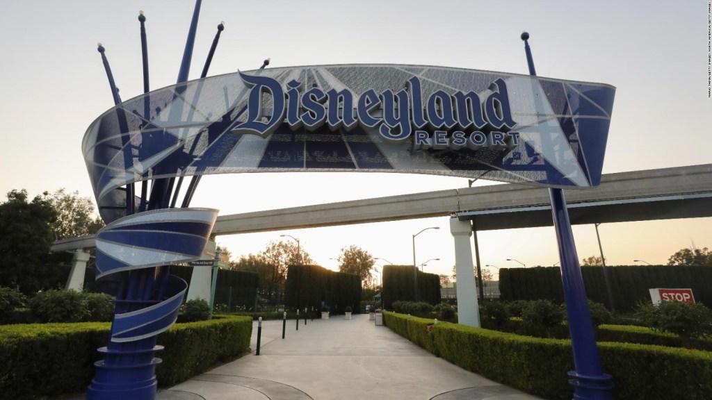 Disney anuncia el despido de 32.000 empleados