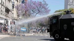 """La despedida del """"10"""": Incidentes en el Obelisco"""