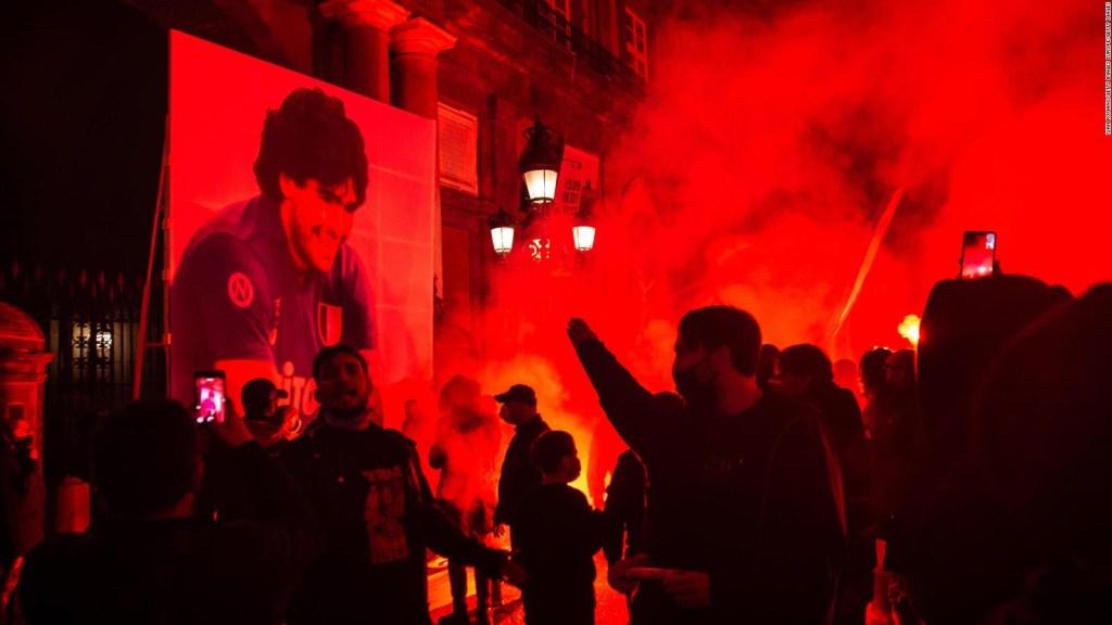 Fans del mundo le dan el último adiós a Diego Maradona