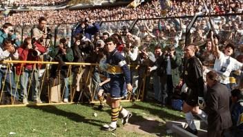 Equipos dedican un minuto de silencio para Maradona