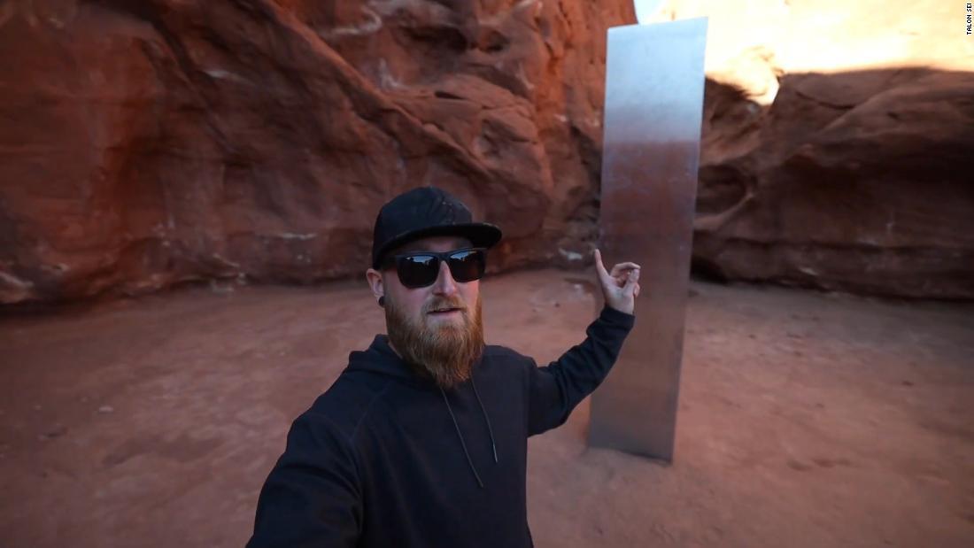 Algunos exploradores ansiosos ya se adentraron en el desierto y encontraron el monolito de Utah