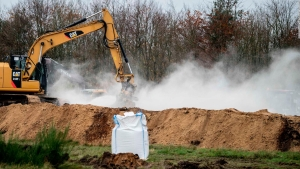 Dinamarca analiza desenterrar miles de visones sacrificados