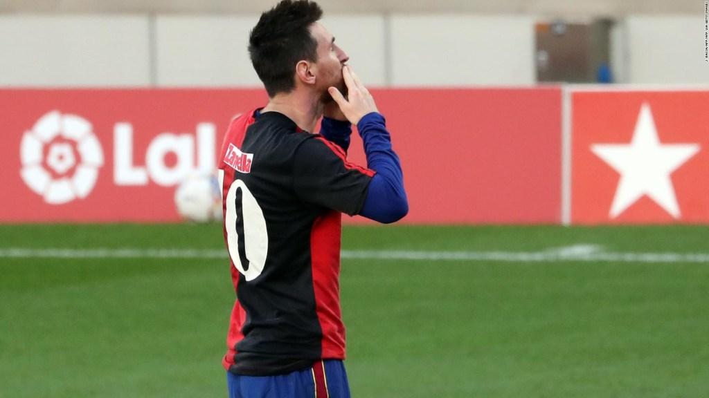 El homenaje de Messi a Maradona abre un debate en España