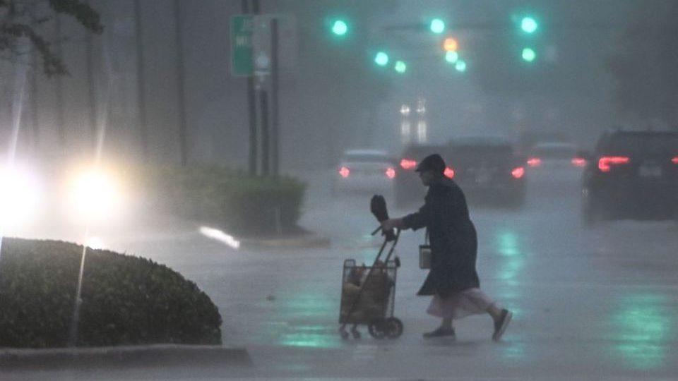 La tormenta tropical Eta toca tierra en los Cayos de Florida | CNN