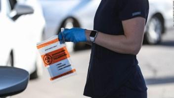 Más funcionarios estatales anuncian restricciones a medida que EE.UU. supera las 100.000 nuevas infecciones por covid-19 por segundo día consecutivo