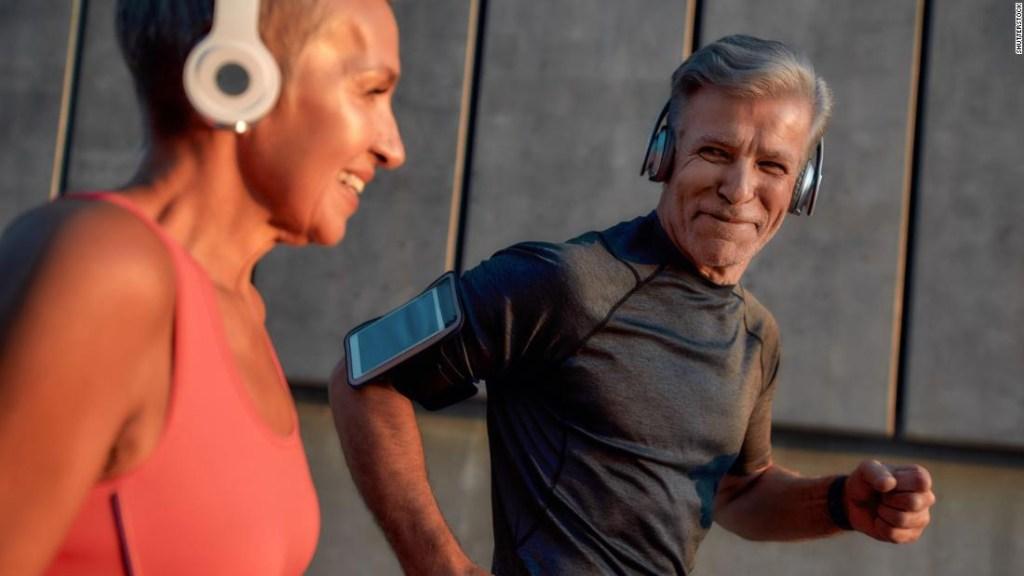 Este es el tipo y la cantidad de ejercicio que necesitas, según aconseja la OMS
