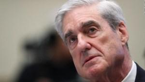 Mueller investigó, pero no acusó, a Stone, WikiLeaks y Assange por hackeo ruso a los demócratas en 2016, según muestra un informe menos editado