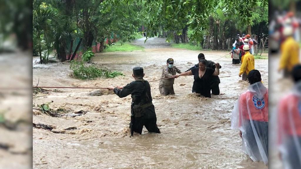 Eta deja bajo el agua a Honduras