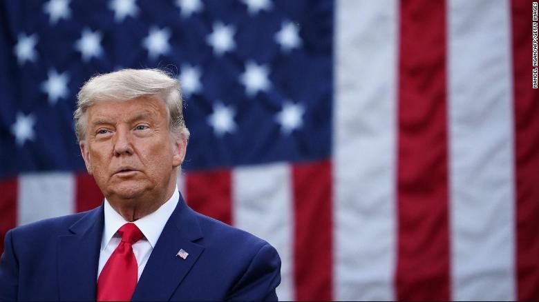 Trump no habla de las elecciones en su discurso público