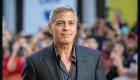 El método de George Clooney para cortar su pelo