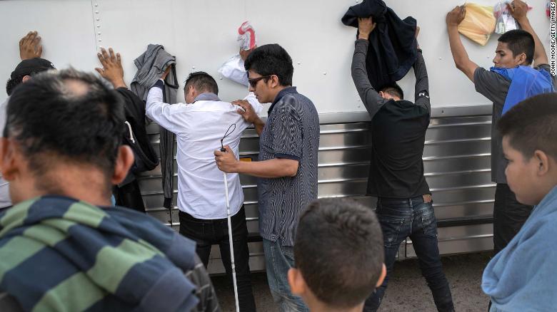 Así se forjó el acuerdo de asilo entre EE.UU. y el Salvador