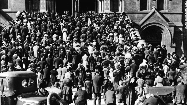 La lección mortal que dejó la gripe de 1918 para los feligreses que van a las iglesias y que viven la pandemia de covid-19