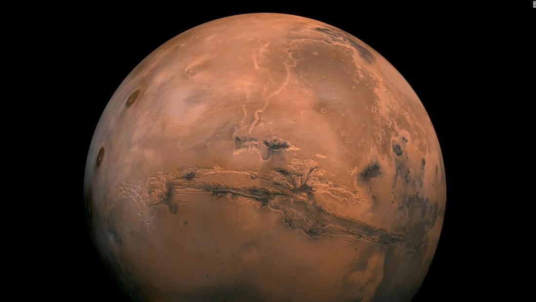 Revelan posible existencia de vida bajo tierra en Marte