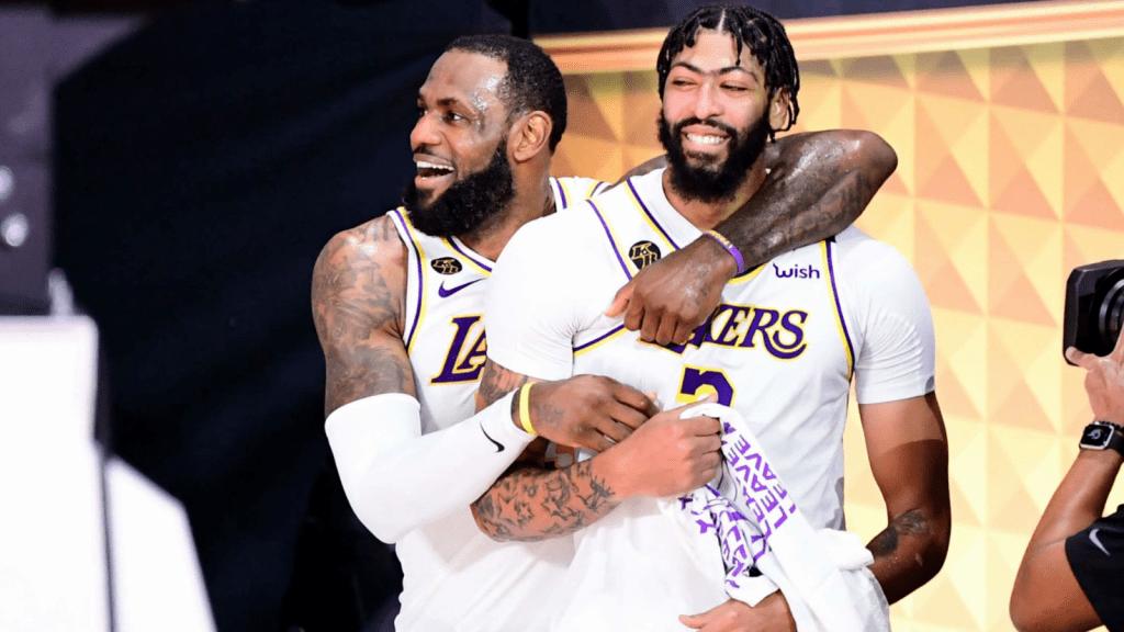 Los Lakers invierten en sus figuras para el presente y el futuro
