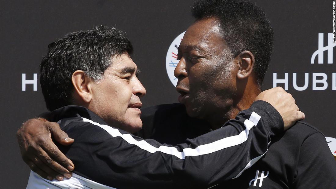Pelé rinde nuevo y emotivo homenaje al 'incomparable' Diego Maradona