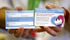 Gran Bretaña presenta credenciales de vacunación covid-19