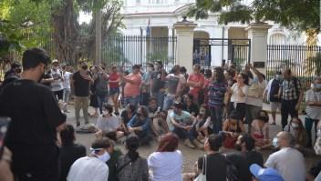 Artistas cubanos protestan contra censura y hostigamiento