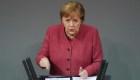 Merkel ruega a alemanes limitar el contacto en Navidad