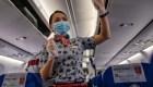 Recomiendan uso de pañales para azafatas en China