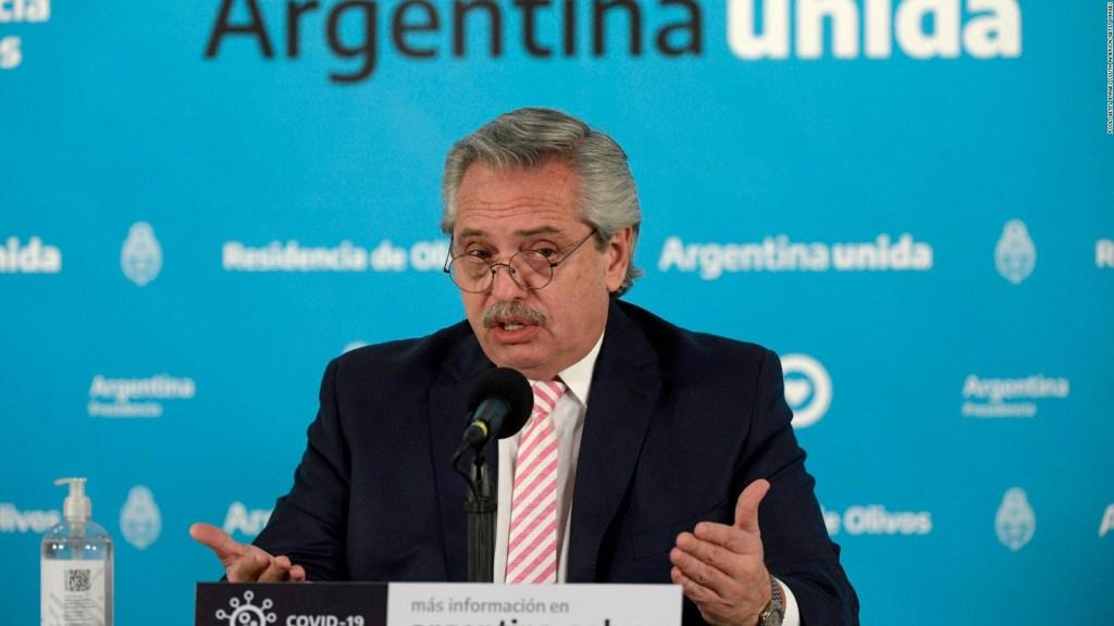 Fernández dice que sería el primero en recibir la vacuna