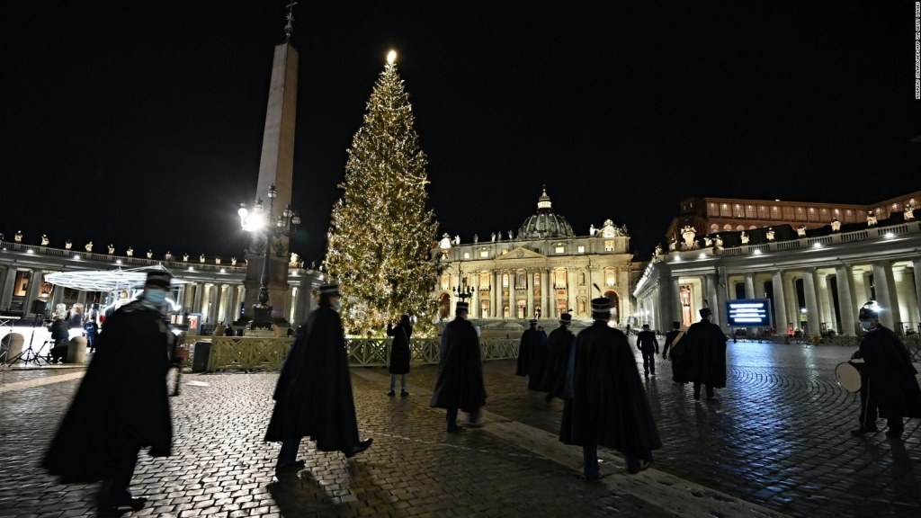 Se enciende la Navidad en el Vaticano