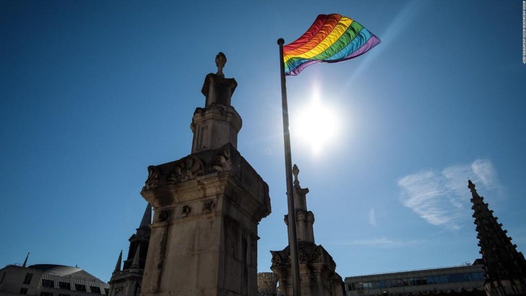 El Reino Unido revocó una norma que prohibía a los homosexuales y bisexuales donar sangre