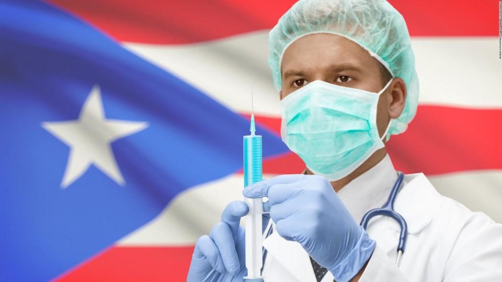 Puerto Rico inicia vacunación con plan de tres etapas