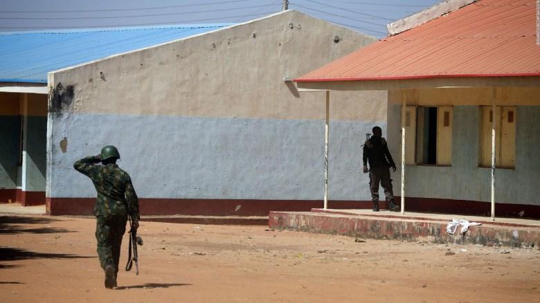 Boko Haram se atribuyó secuestro de escolares en Nigeria