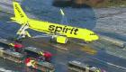 Avión de Spirit Airlines de desliza fuera de la pista