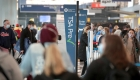 Encuesta revela temor de empleados de aeropuertos al covid-19
