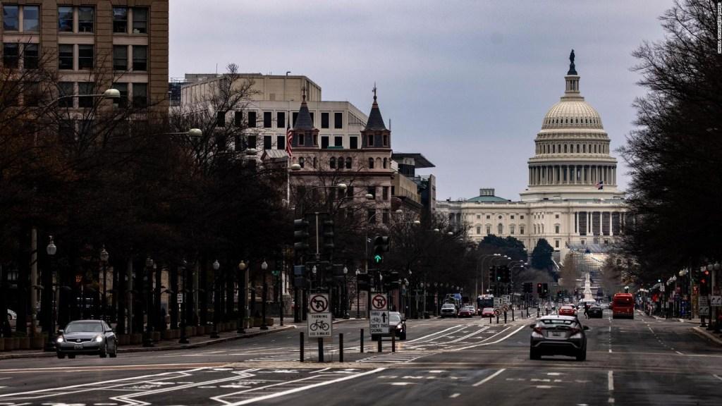 Trump y los demócratas, por fin de acuerdo en algo: pagos más altos para afectados por la crisis