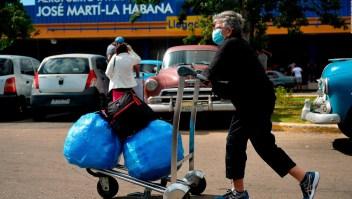 Cuba vuelve a restringir vuelos por aumento de covid-19