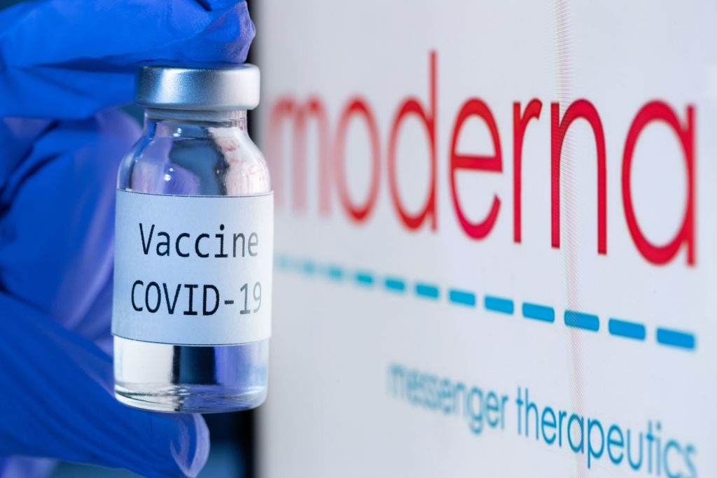 Moderna says her vaccine would protect against variants