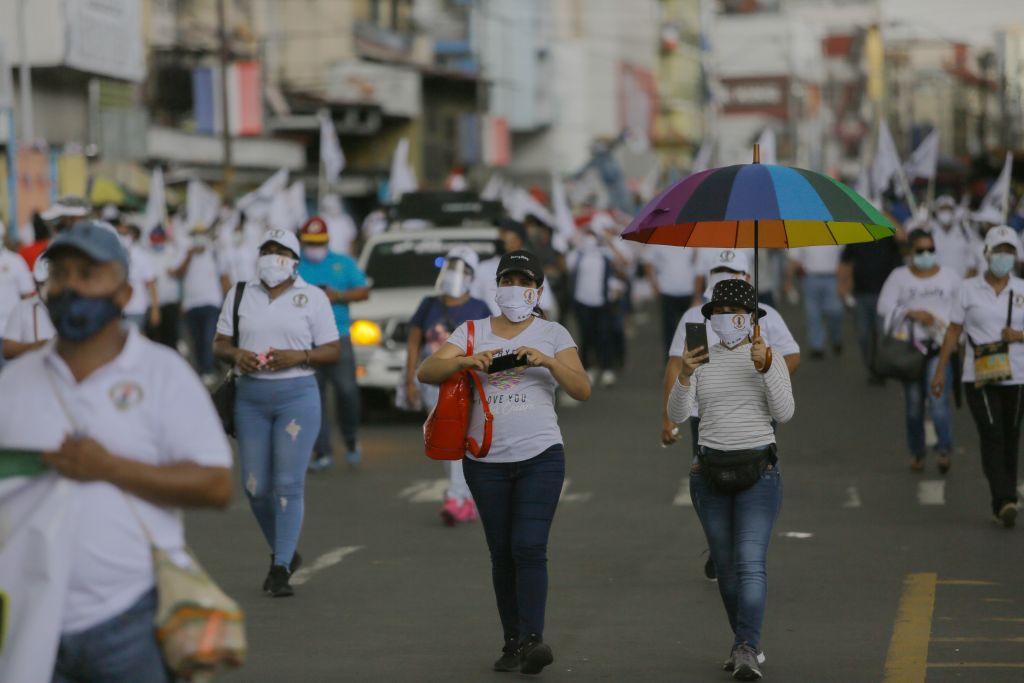 Gobierno de Panamá decreta más sanciones por incumplir medidas contra coronavirus
