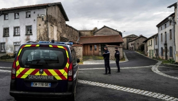 Tres policías asesinados Francia