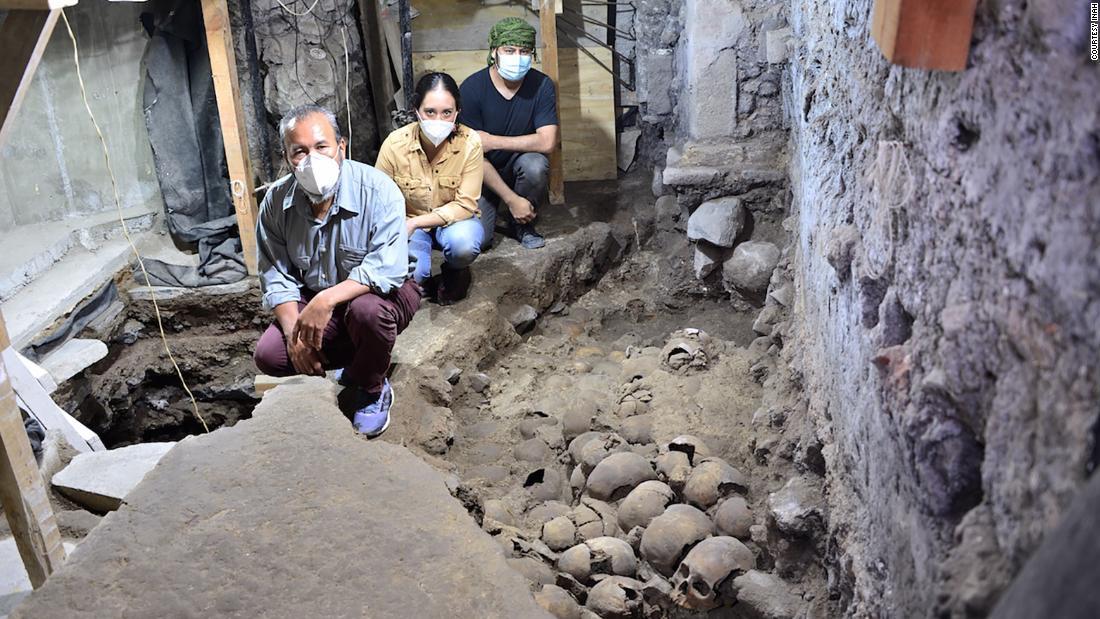 Arqueólogos Descubren from 100 cráneos and sitio azteca