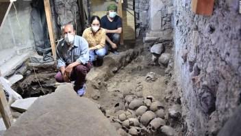 Arqueólogos descubren más de 100 cráneos en sitio azteca en Ciudad de México