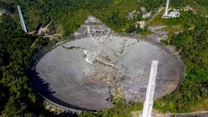 Se derrumbó radiotelescopio de Arecibo en Puerto Rico