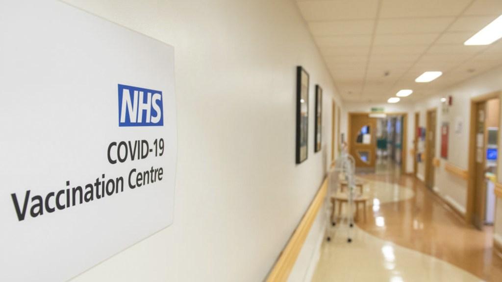 Gran Bretaña comienza a vacunar contra el covid-19: ¿quiénes serán los primeros en recibirla?