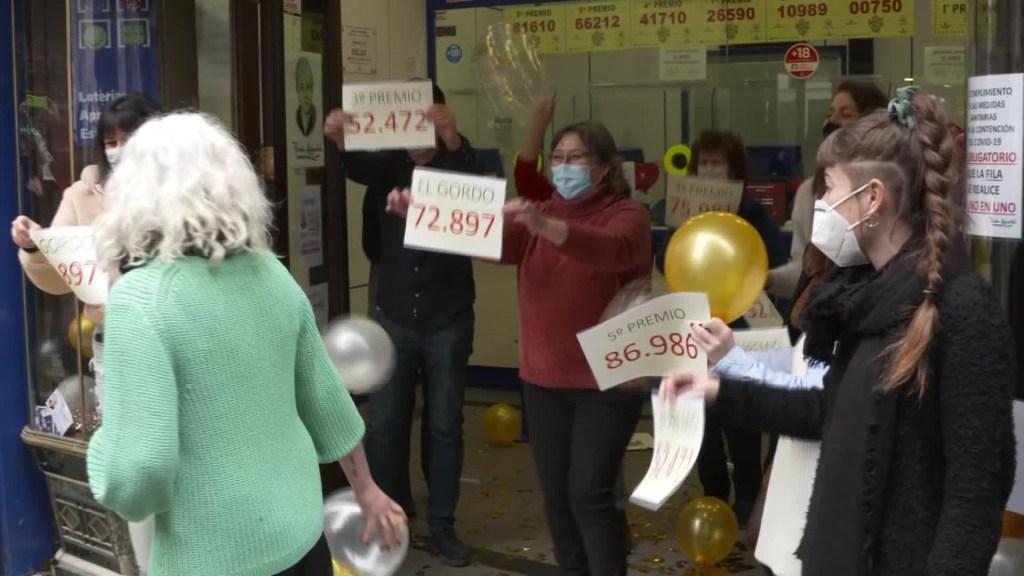 Lotería de Navidad de España trae alegría pese al covid-19