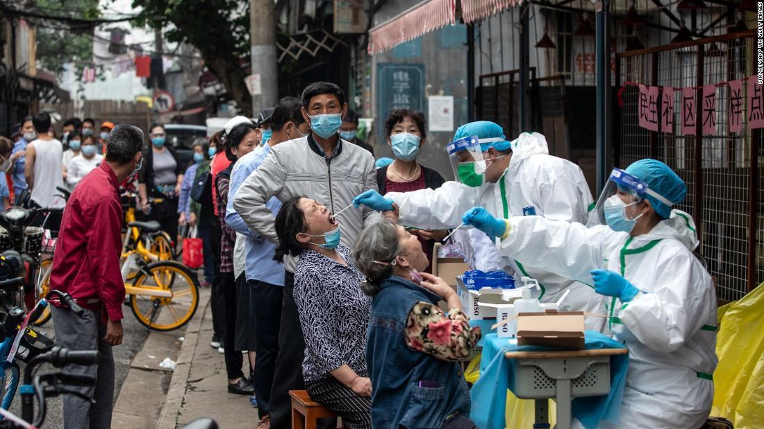 Contagios de coronavirus en Wuhan serían 10 veces la cifra oficial: estudio