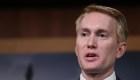 Senador pide perdón por dudar de resultados electorales
