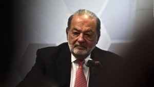 Carlos Slim da positivo por covid-19, según su hijo